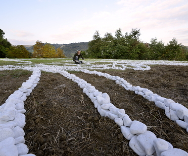Installazione No Man's land di Yona Friedman