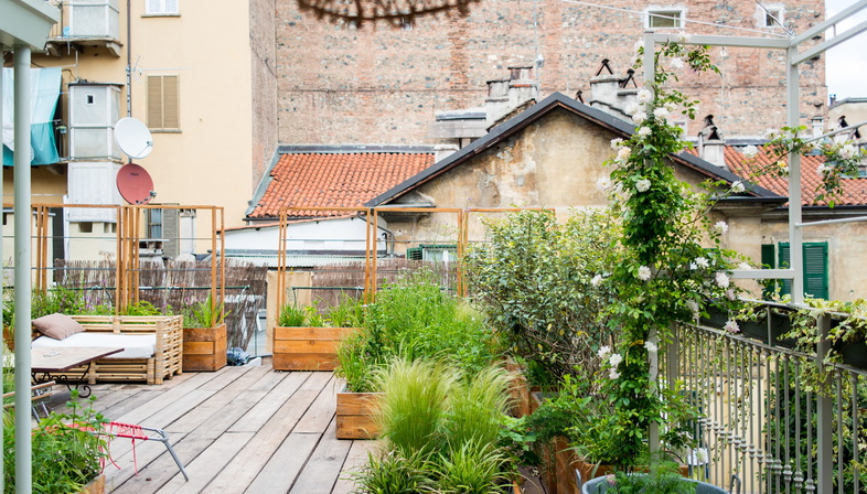 Studio 999 porta il verde pensile su un tetto a Torino