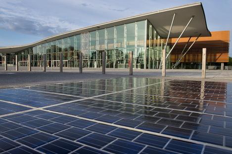 La prima strada solare in Francia