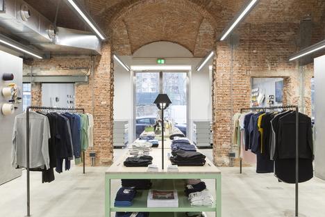 Industrial heritage e design: FREITAG-Store a Milano