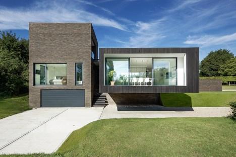 AR Design Studio e la Black House a Kent