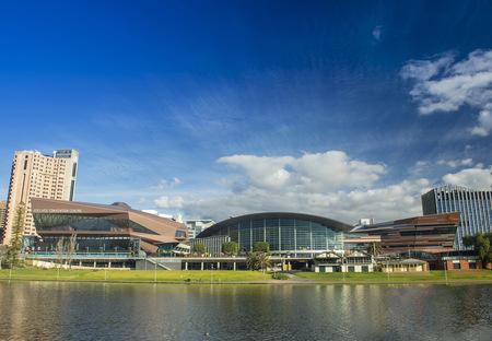 Woods Bagot ha completato l'ampliamento del Adelaide Convention Centre