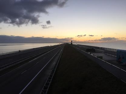 La grande diga olandese Afsluitdijk festeggia i suoi 85 anni
