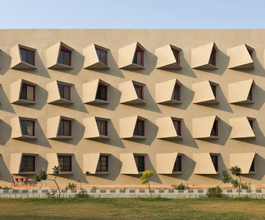 The Street, ostello di Sanjay Puri Architects