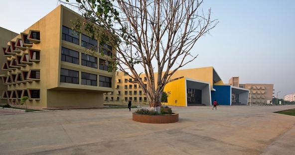 The Street, ostello di Sanjay Puri Architects