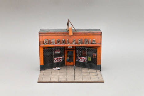 Joshua Smith e le sue miniature a Palo Alto, California