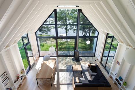 Una finestra sul lago di YH2