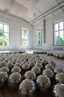 Mostra Yayoi Kusama Infinity Mirrors in Canada