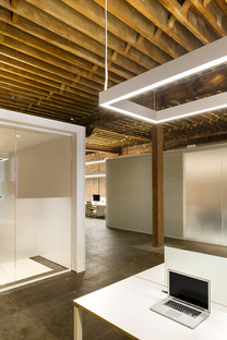 Scenic Advisement Offices di Feldman Architects