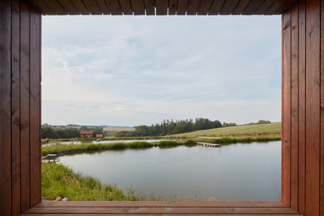 Una casetta in riva ad uno stagno, Atelier 111 architekti