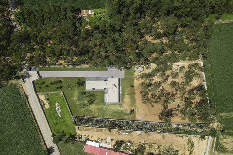 Casa Rio Mau di Raulino Silva in Vila do Conde