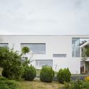 Una casa per tre generazioni sulla collina, Masparti Architects