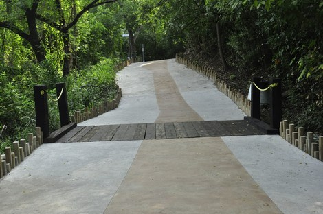 LA PASTORA Linear Park di Harari Landscape Architecture, un parco forestale urbano