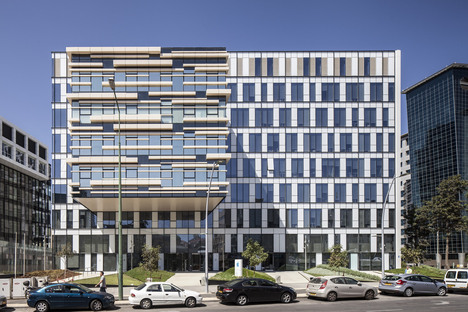 LEED Gold e Silver per l'Apple R&D Center di Yashar Architects