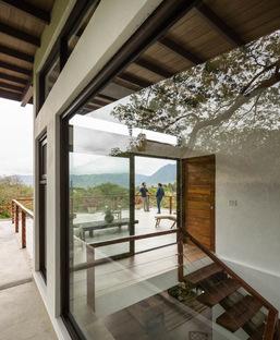 Casa Mirasol di JiA-Jose Isturaín Arquitectura: un recupero a Panama