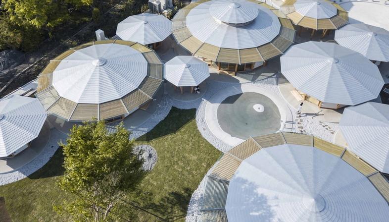 Asilo Muku di Tezuka Architects, forme organiche per l'infanzia