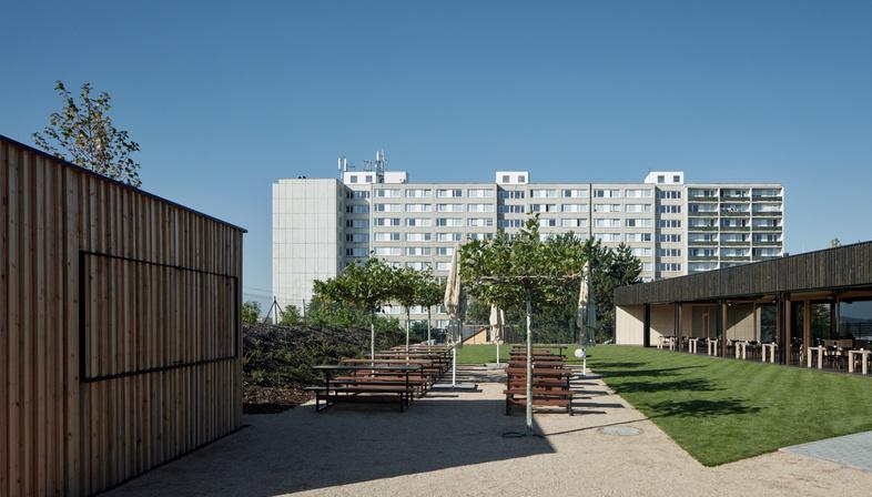 Birrificio SPOJOVNA di mar.s architects a Praga