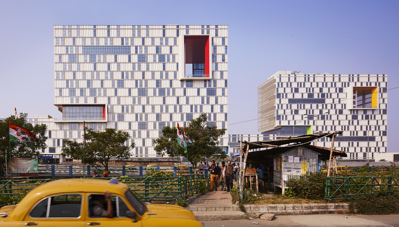 Yazdani Studio di CannonDesign in India progetta un campus sostenibile