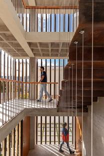 RAMA Estudio, Edificio Criba ad Ambato, Ecuador