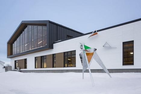 PROULXSAVARD e CCM2 architects, ampliamento di una scuola