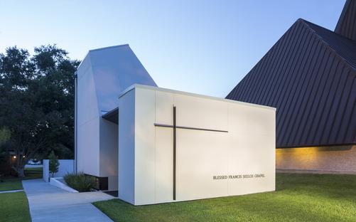 St. Pius Chapel and Prayer Garden di Eskew Dumez Ripple