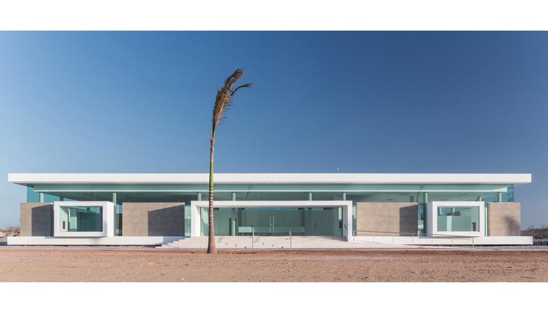 RECS architects, Sales Center in Brasile
