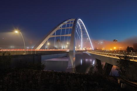 Walterdale Bridge di DIALOG, placemaking con infrastruttura