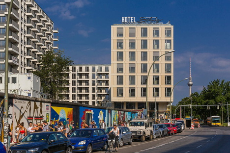Schulz Hotel, East Side Gallery, Berlin