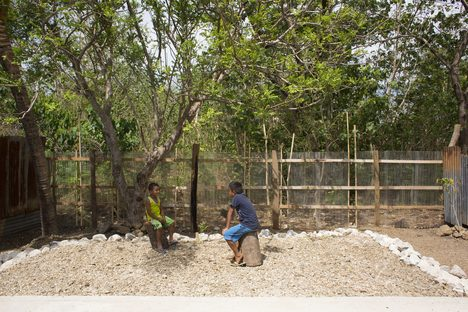 ARTIFICIAL, autocostruzione simbolica con PICO e A01 in Costa Rica