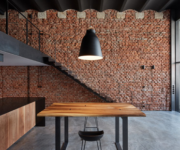 Loft with Love di CMCARCHITECTS a Praga