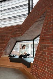 Bio21 Nancy Millis Building di DesingInc a Melbourne