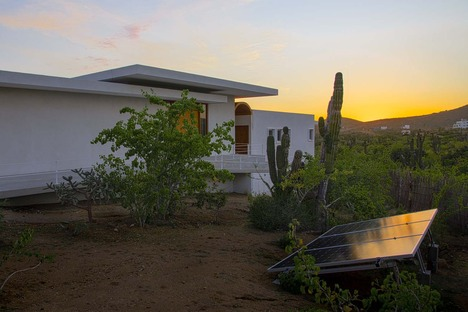 Casa Nivana, un rifugio nel deserto di RED Arquitectos