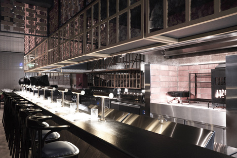 Fogon, un ristorante a Riad di Hitzig Militello Arquitectos