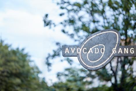 Ristorante Avocado Gang di Mimosa architekti a Praga