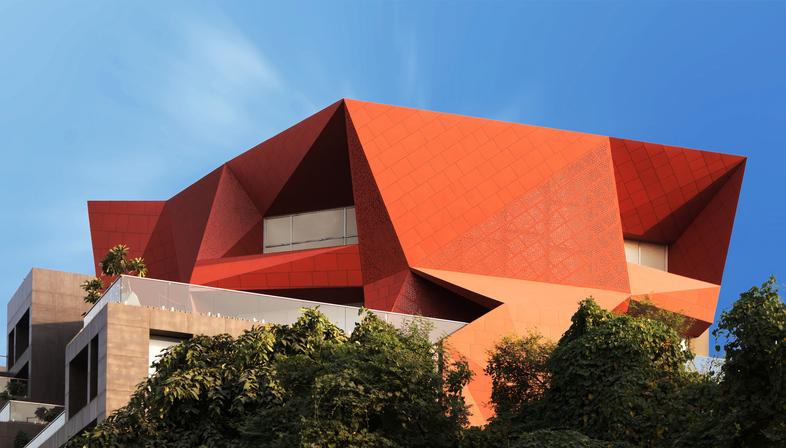 Stellar, un edificio commerciale e sostenibile di Sanjay Puri Architects