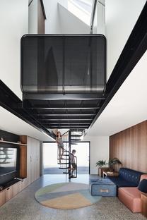 RaeRae House di Austin Maynard Architects combina forma e funzione