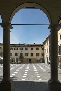 Stodistante, spazio pubblico consapevole di Caret Studio