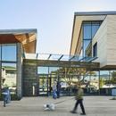 La pluripremiata biblioteca Half Moon Bay di Noll & Tam Architects