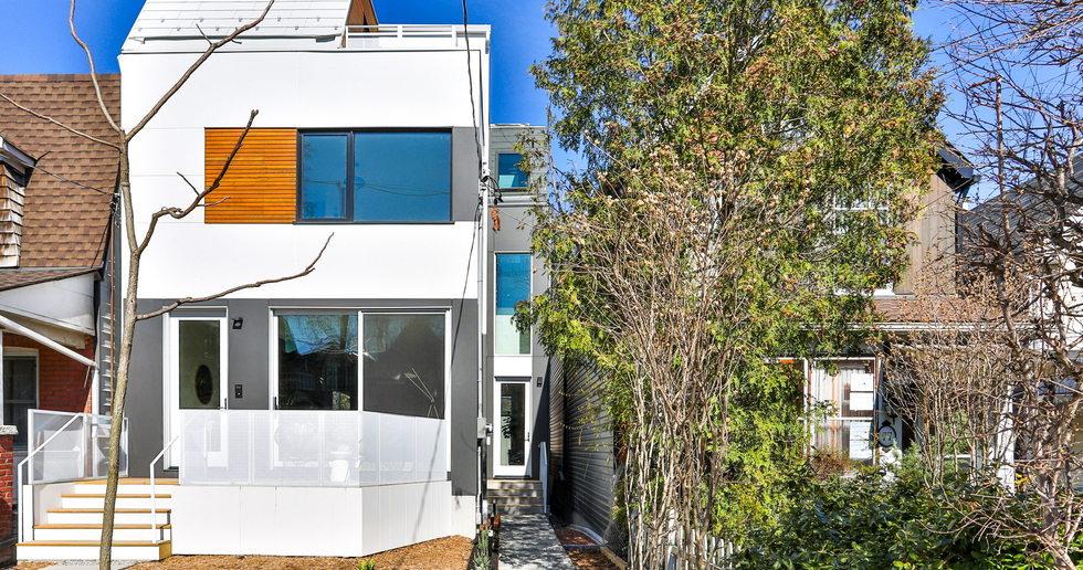 Una casa bifamiliare sostenibile di baukultur/ca