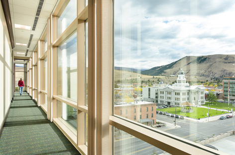 Una banca sostenibile nel Montana dello studio Cushing Terrell