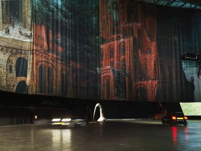 Boijmans Ahoy Drive-Thru Museum a Rotterdam