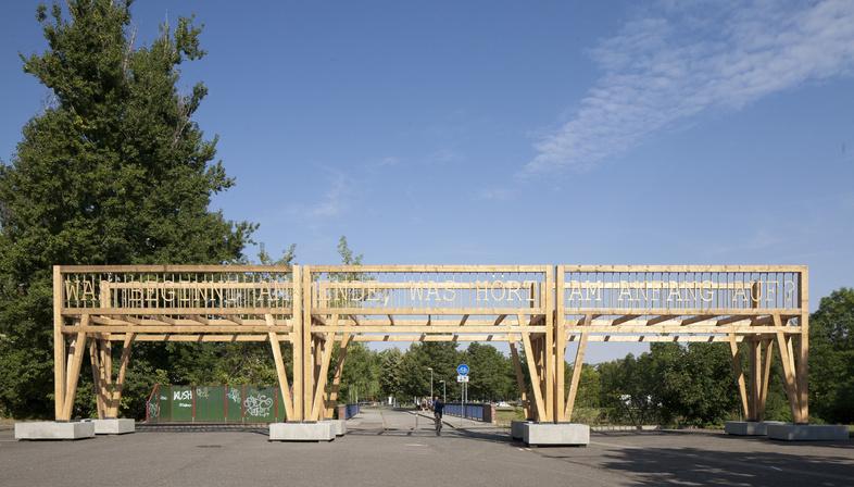 Colonnade, intervento artistico a Chemnitz di Observatorium