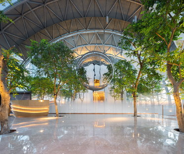 InterContinental Chongqing Raffles City di Moshe Safdie con interior di CL3