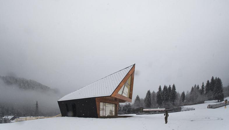 Claudio Beltrame firma la nuova scuola di sci di Tarvisio