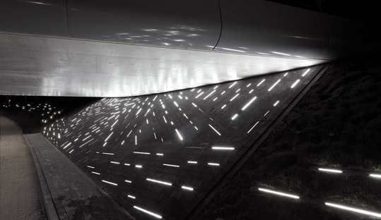 Installazione luminosa di Matthias Oostrik ad Assen