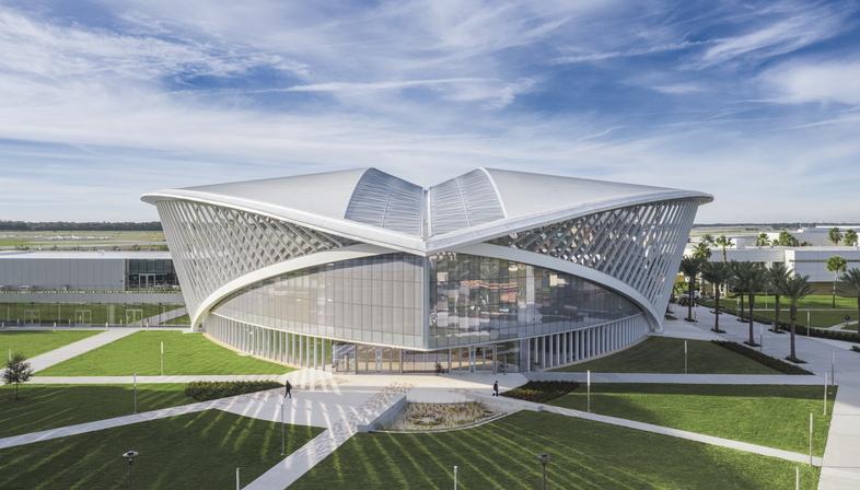Mori Hosseini Student Union di ikon5. architects