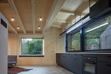 Cottage Pod Bukovou di Mjölk Architects
