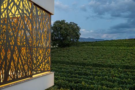 La Casa P2 di monovolume architecture+design come parte integrante del paesaggio