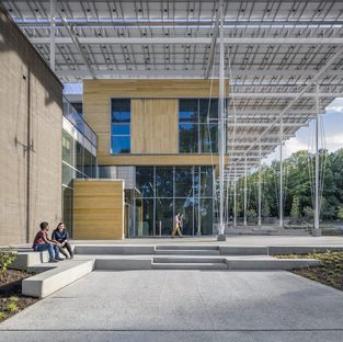 Kendeda Building for Innovative Sustainable Design di Lord Aeck Sargent con The Miller Hull Partnership