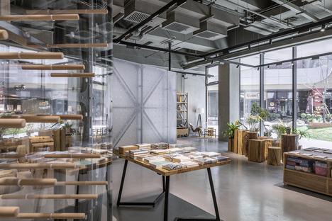 LUO Studio realizza il Mumokuteki Concept Bookstore a Beijing